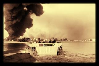7779449381_des-troupes-franco-britanniques-au-large-de-port-fouad-durant-la-crise-du-canal-de-suez-en-novembre-1956